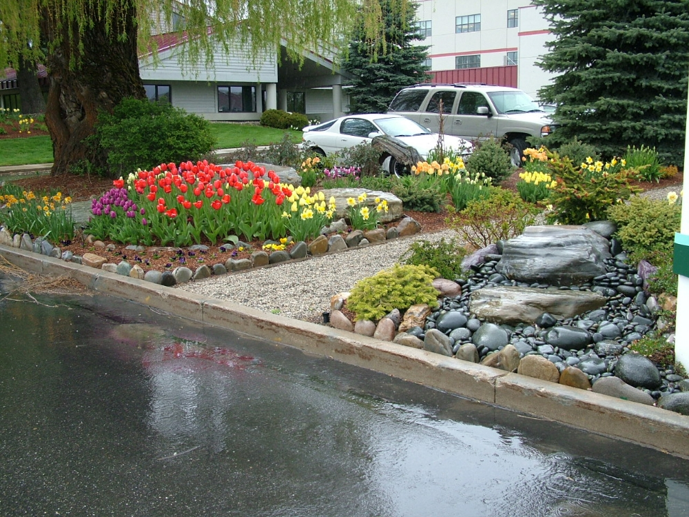 Landscaping Without Flower Beds : Step by landscaping flower beds