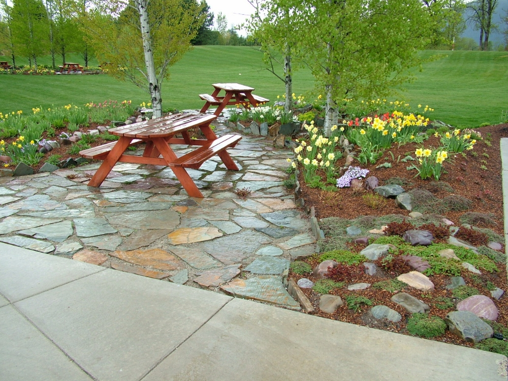 Natural rock walkways patios turfcare landscaping in for Patio landscaping